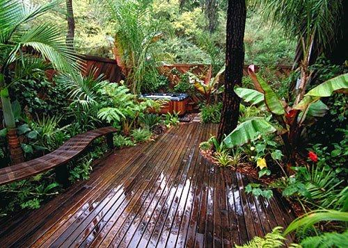 M s de 20 ideas de jardines tropicales para una casa - Maderas tropicales para exterior ...