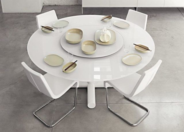 M s de 40 fotos de comedores con mesas redondas for Mesas de comedor redondas modernas