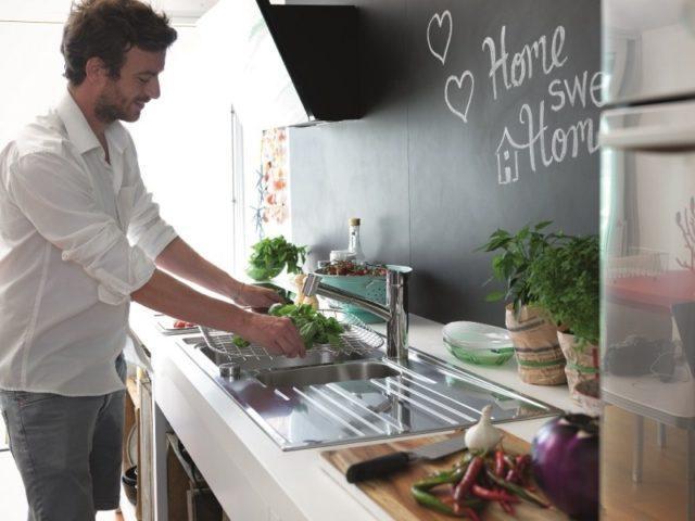 a veces uno puede encontrarse con cocinas que estn cuidadas y con un nivel de detalle maravilloso hasta que se encuentra con el fregadero