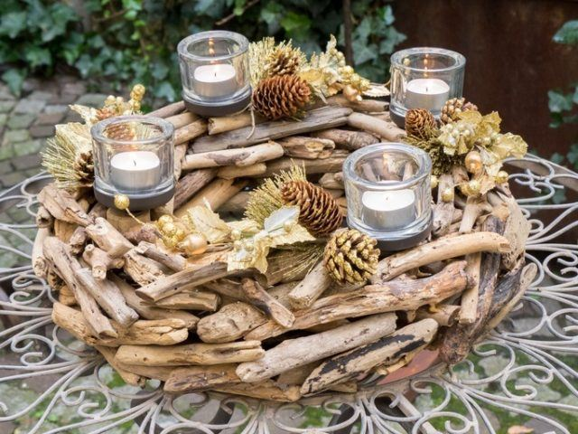 Centros de mesa navidenos con corona y velas
