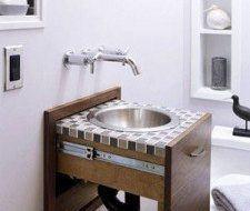 El lavabo en un cajón para ahorrar espacio en el cuarto de baño