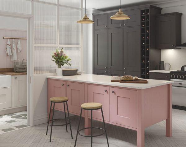 Cocinas rosas diseño de cocina rosa con muebles negros y encimera blanca