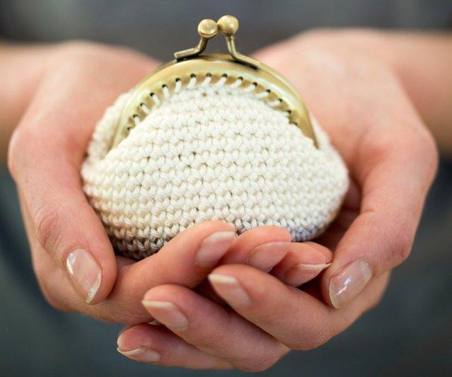 Cómo hacer monederos de ganchillo de forma fácil y barata ...
