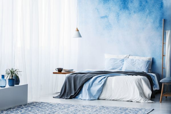 papel-pintado-paredes-cielo-istock