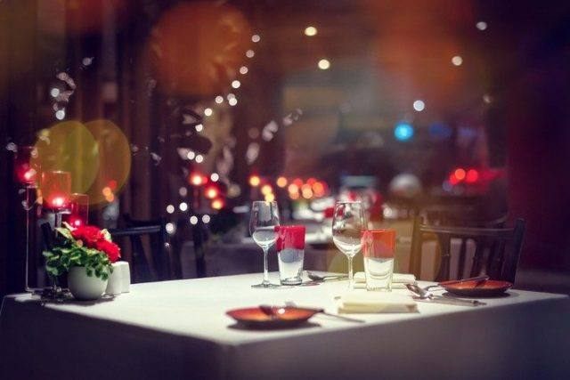 Ideas DIY originales para decorar una cena romantica