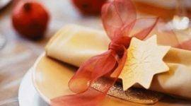 Ideas navideñas: decora la mesa con tonos dorados
