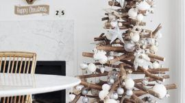 Eco-friendly Christmas tree: over 50 ideas of Christmas Trees made of recycled materials
