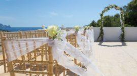 Cómo celebrar una boda ibicenca: Así es la decoración del sitio