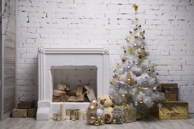 Decoracion de navidad en blanco y dorado para casas modernas