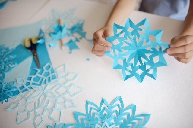 Manualidades para navidad copos de nieve con papel