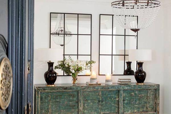como-decorar-una-pared-con-espejos-puzzle-elmueble