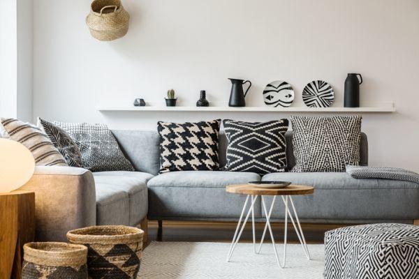 como-decorar-una-pared-con-platos-istock5