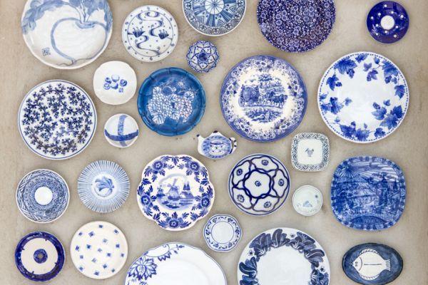 como-decorar-una-pared-con-platos-istock6
