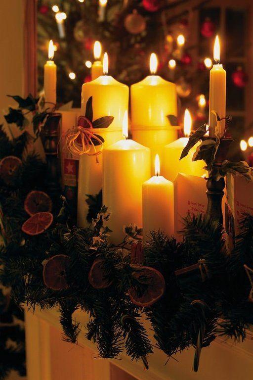 Decoración navideña de chimeneas con velas