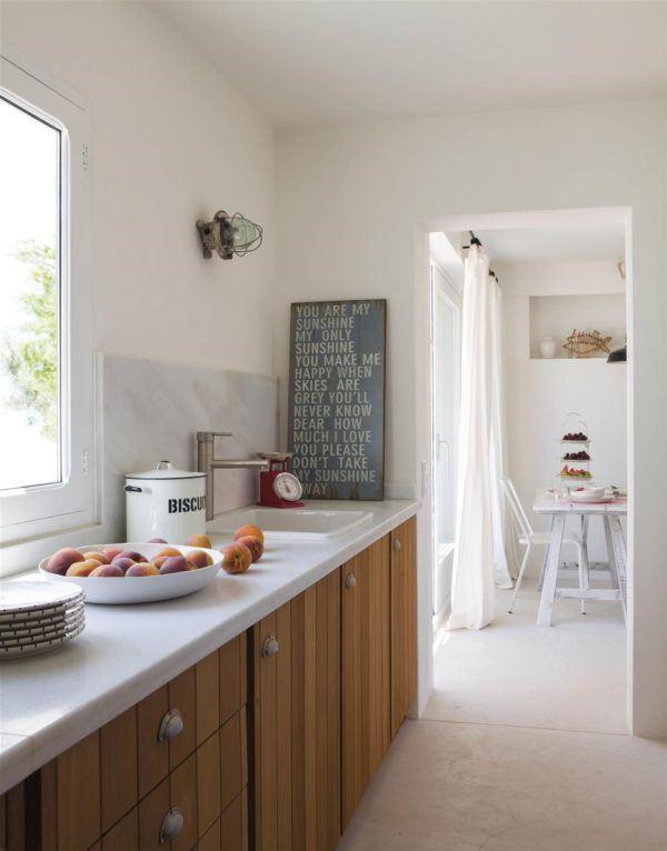 cocinas-en-blanco-y-madera-mueble-de-madera-elmueble