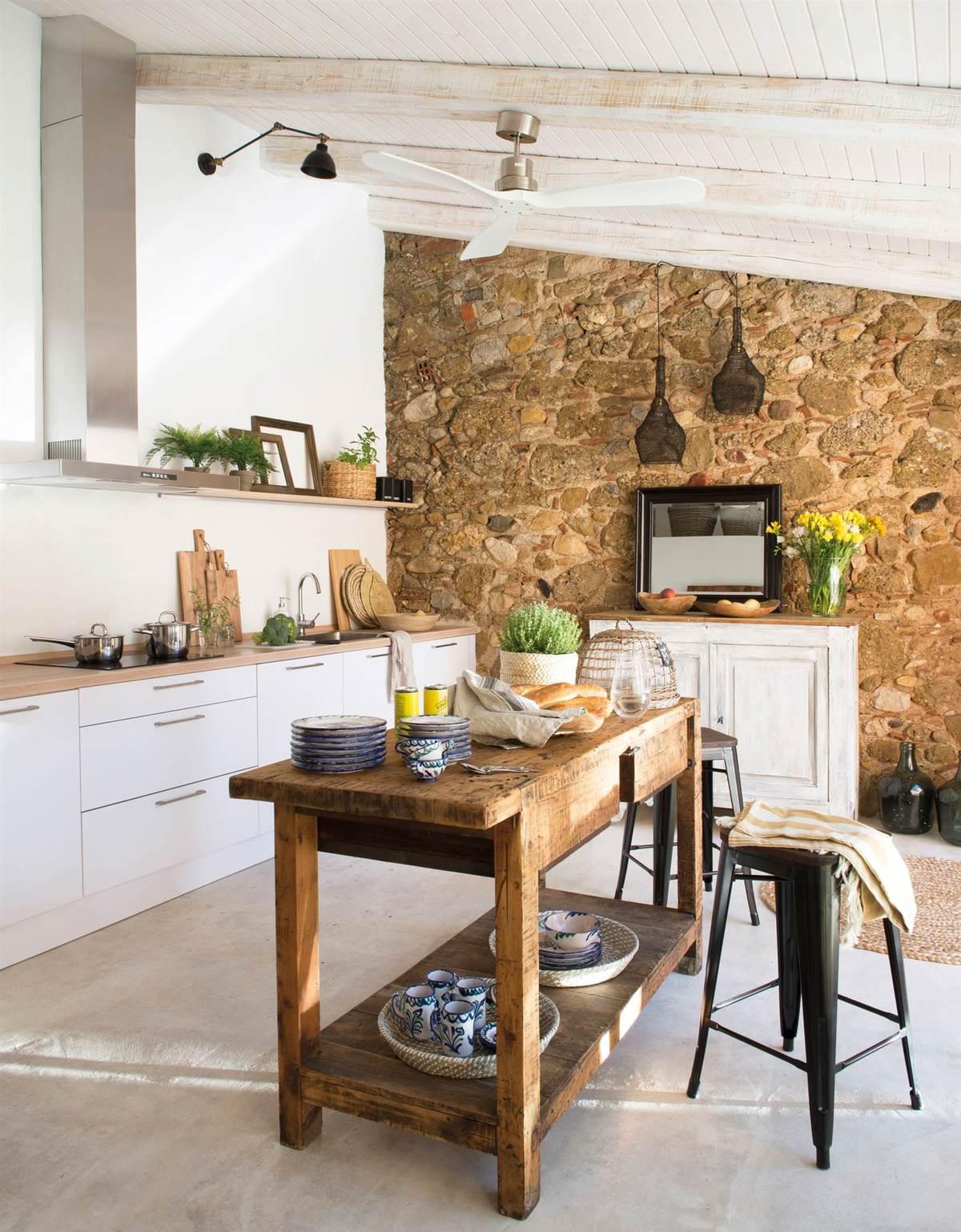 cocinas-en-blanco-y-madera-piedra-elmueble