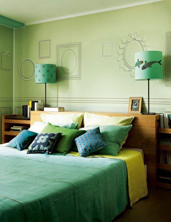 como-decorar-con-paredes-en-verde-agua-dormitorio-lampara-delfin-cafeversatil