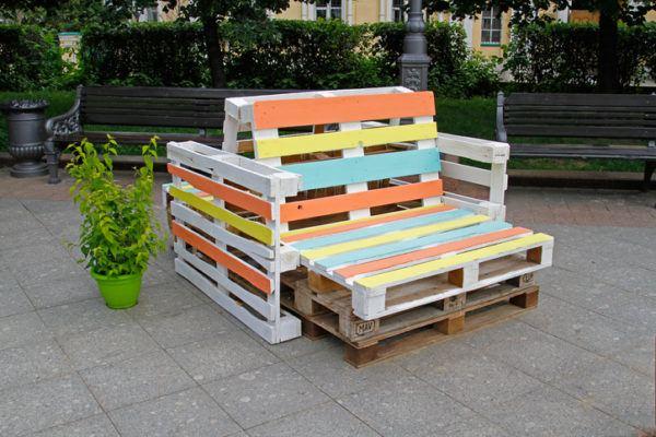 Ideas para hacer y decorar sillones de palets de madera colores