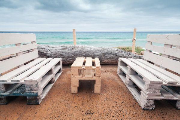 Ideas para hacer y decorar sillones de palets de madera exterior