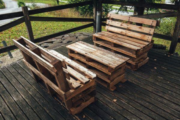 Ideas para hacer y decorar sillones de palets de madera terraza