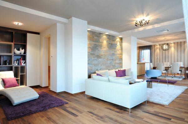 salones-decorados-con-un-sofa-blanco-nordico-madera-tres-presupuestos