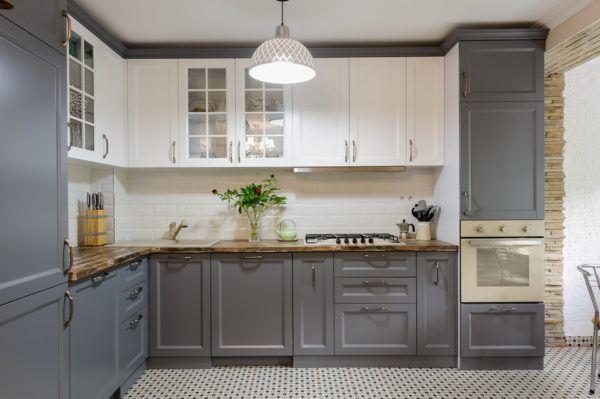 Cocinas modernas en blanco y gris