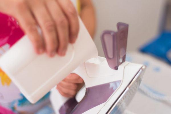 Cómo limpiar la plancha de cal fácilmente