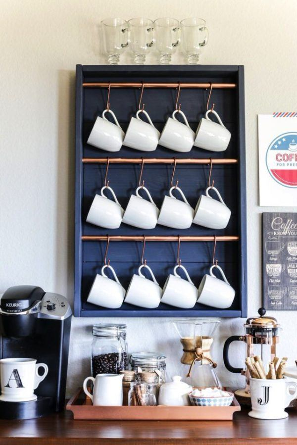Mesa de café con estantería para ahorrar espacio