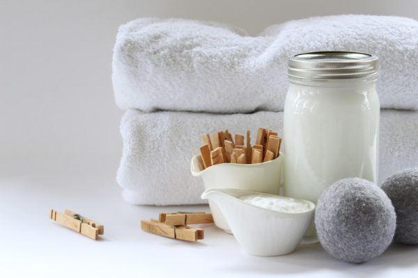 Recetas de suavizantes caseros para lavar la ropa