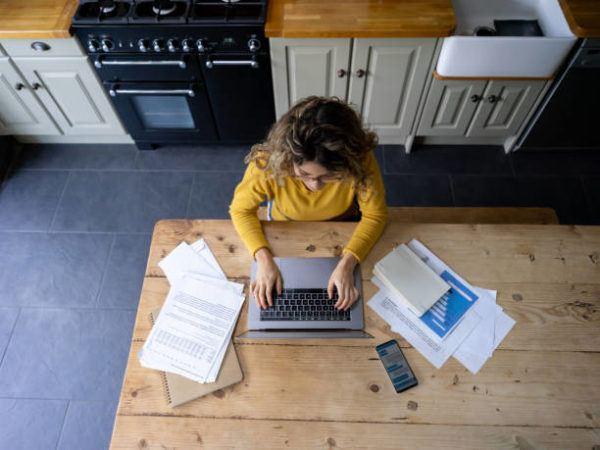 Como montar una oficina en casa rapido y facil trucos consejos