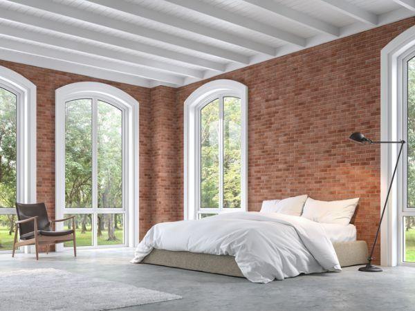 decorar-la-pared-del-dormitorio-ladrillos-rojos-istock
