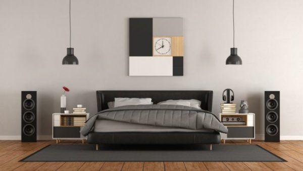 decorar-la-pared-del-dormitorio-reloj-istock