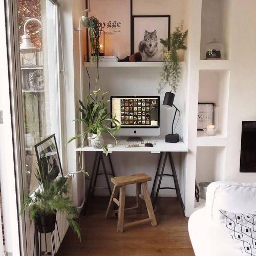 como-decorar-la-mesa-de-trabajo-pequeno-pero-aprovechado-instagram