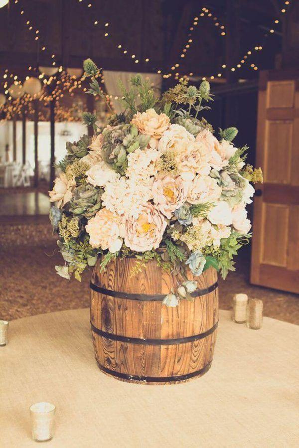 Como hacer arreglo floral centro mesa flores barril