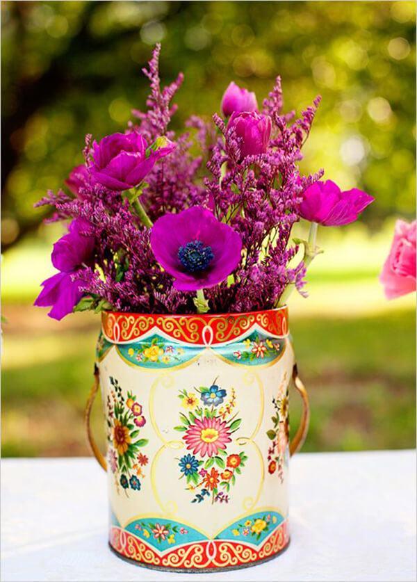 Como hacer arreglo floral centro mesa flores dentro de lata