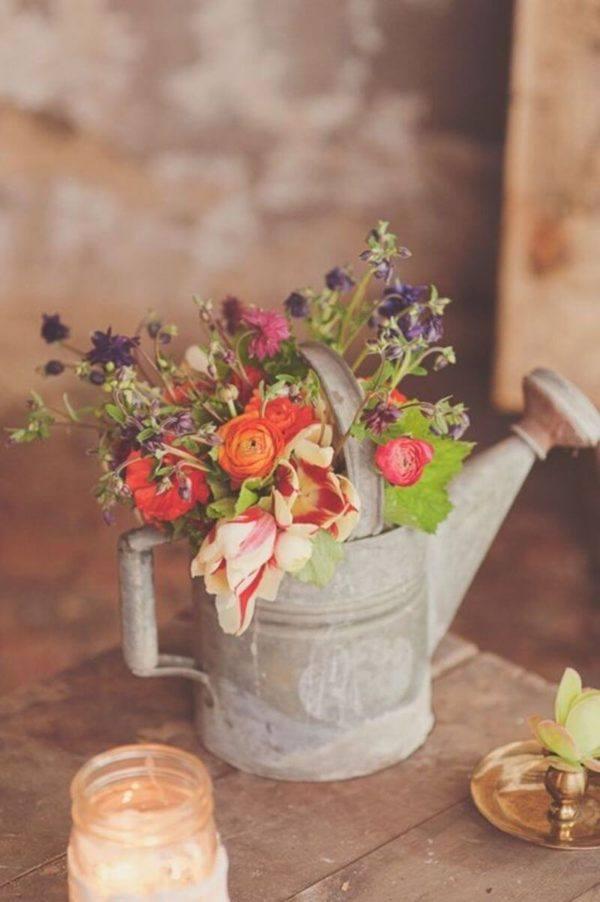 Como hacer arreglo floral centro mesa flores regadera