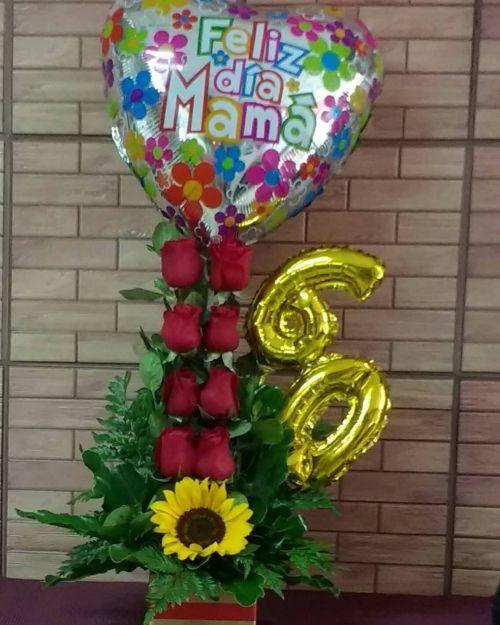 como-hacer-un-arreglo-floral-rosas-globos-instagram