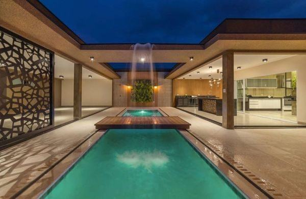 como-decorar-una-piscina-ideas-instagram-cascada-inspiracao-piscina