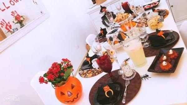 Centro de mesa para halloween con florero de calabaza