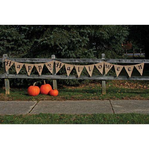 Happy Halloween exterior con guirnalda y calabazas