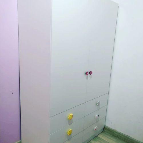 ideas-para-decorar-puertas-de-armarios-instagram-servireb