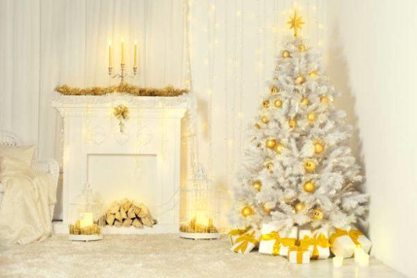 Arboles de navidad decorados 2020 2021 arbol blanco con adornos dorados