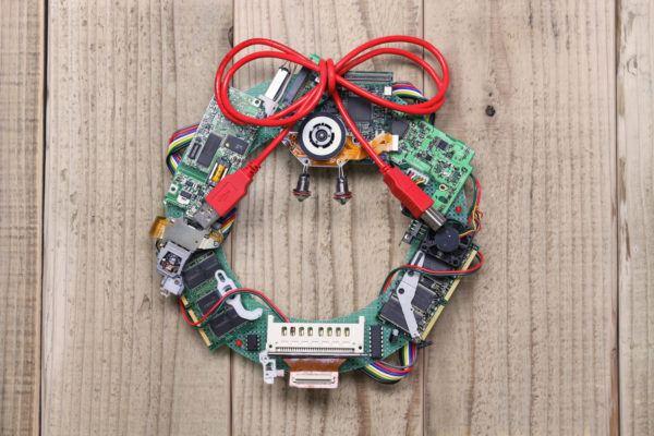 Coronas navidad 2020 2021 cable piezas ordenador