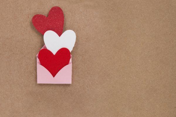 Manualidades san valentin bonitas originales corazones sobre