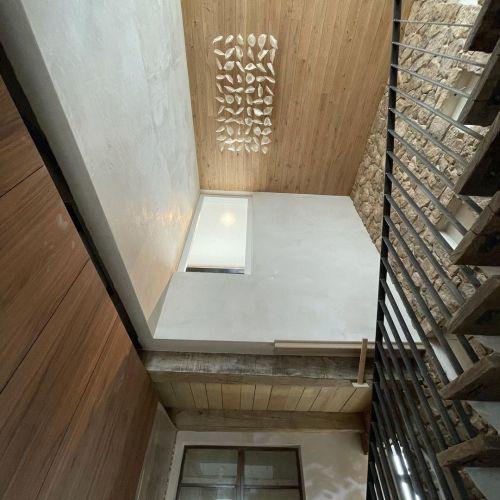 Casa alta estilo wabi sabi