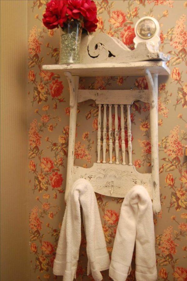 Como colocar las toallas en el bano decoracion en una silla reciclada