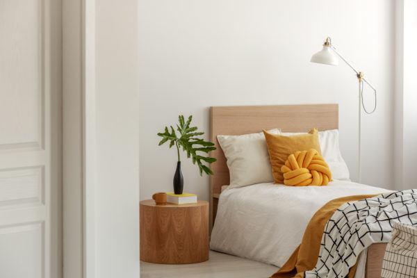 Decorar dormitorio aesthetic cabecero madera