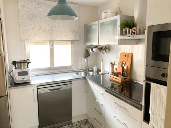 Cómo poner una cocina en un espacio muy pequeño COCINA IKEA en l