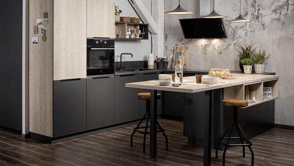 Cómo remodelar tu cocina pequeña COCINA SCHMIDT negra