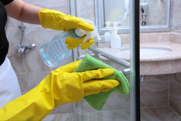 Como limpiar la mampara de la ducha